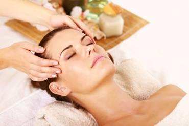 Relaksacyjny masaż twarzy