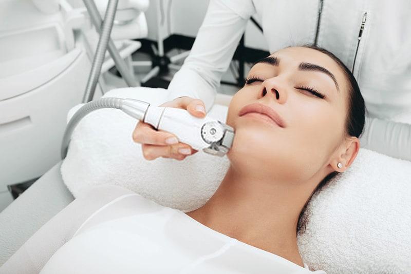 Endermologia - zabiegi na twarz - Salon Kosmetyczny Malwa Zgierz